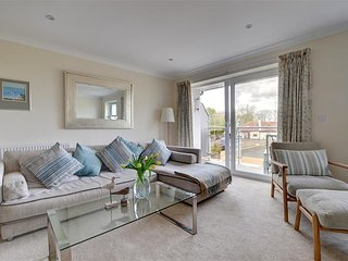 Comfortable 3 bedroom Hythe House with Internet Access - Hythe vacation rentals