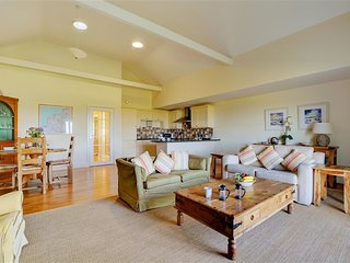Comfortable Edmonton House rental with Internet Access - Edmonton vacation rentals
