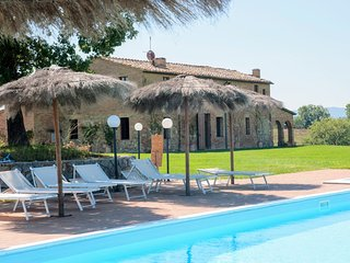 Perfect 6 bedroom House in Buonconvento with Internet Access - Buonconvento vacation rentals
