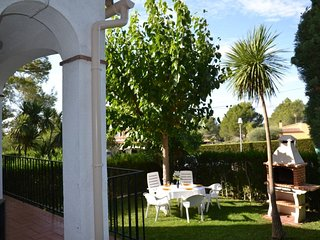 Charming 3 bedroom House in L'Estartit with Internet Access - L'Estartit vacation rentals