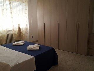 Nice 2 bedroom Francavilla Al Mare Apartment with Internet Access - Francavilla Al Mare vacation rentals