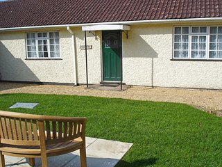 Bright 2 bedroom House in Axminster with Internet Access - Axminster vacation rentals
