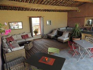 Eden Roque, maison d'hôtes avec piscine & spa entre Lourmarin et Aix en Provence - La Roque-d'Antheron vacation rentals