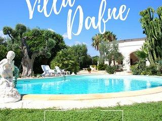 Villa Dafne con Piscina a 2 km dal mare - Savelletri vacation rentals
