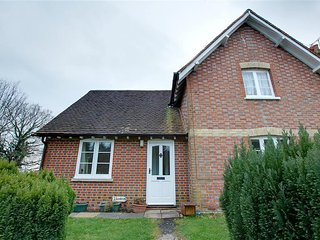 Comfortable House with Internet Access and Television - Bodiam vacation rentals
