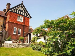 Comfortable House with Television and DVD Player - Royal Tunbridge Wells vacation rentals