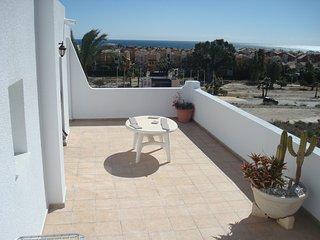 atico con vistas al mar 2 habitaciones y piscina vera colina 27 - Vera vacation rentals