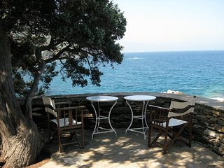 Bright 6 bedroom Agios Kirykos Villa with Washing Machine - Agios Kirykos vacation rentals