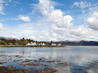 Bright House with Internet Access and Television - Kyle of Lochalsh vacation rentals