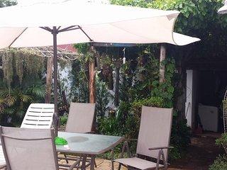 Casa na Martim de Sá a menos de 1km da praia com piscina - Caraguatatuba vacation rentals