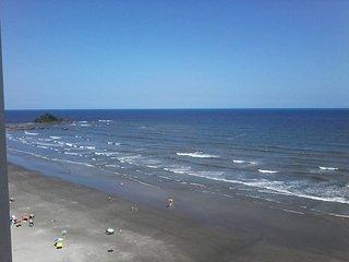 Apto (kitchenete/flat) - Praia do Sonho Itanhaem - Frente da praia - Itanhaem vacation rentals
