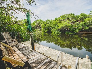 Charming 2 Bedroom/2 Bath Cottage on a Canal - Anna Maria vacation rentals