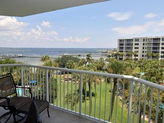 Waterfront condo Heron 505, Amazing views, 3BD/2.5BA, All Tile, 700' Lazy River! - Fort Walton Beach vacation rentals