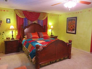 Sam's Mansion - Rainbow Room $99 - Bentonville vacation rentals