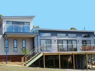 Yarrabee, 17 Acre Nature Reserve near Port Arthur with Amazing Views - Saltwater River vacation rentals