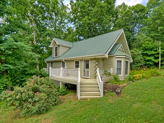 Charming Cottage by the Lake....Romantic Getaways Girls Weekend&Families w/Kids - Morganton vacation rentals