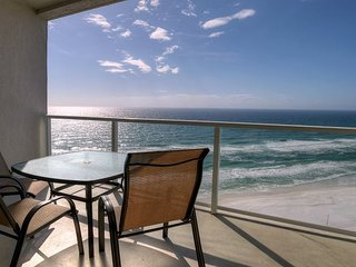 Romance on the Beach at 'Paradise Palms' Take 20% Off Valentines Weekend! - Sandestin vacation rentals