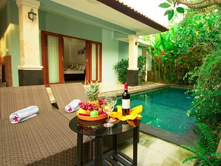 Bellissima 3-bedroom Villa near Berawa Beach - Canggu vacation rentals