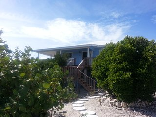 """The Goodlife"" cosy two bedrooms/ two bathrooms - Staniel Cay vacation rentals"