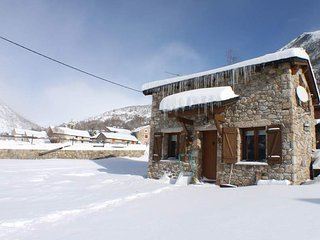 Comfortable 2 bedroom House in Porte-Puymorens with Internet Access - Porte-Puymorens vacation rentals