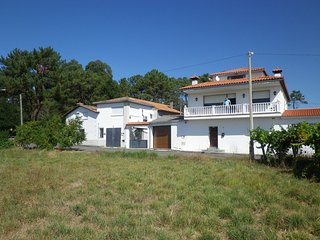 Nice House with A/C and Satellite Or Cable TV - A Guarda vacation rentals