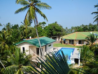 Beautiful Guest house with Deck and A/C - Pitiwella vacation rentals