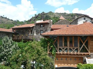 maison du xv eme s au village de cheyrac à 1 km de polignac/10mn du puy envelay - Polignac vacation rentals
