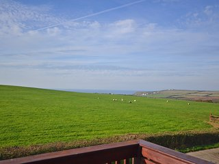 Cosy cottage with sea views and shared heated swimming pool - Widemouth Bay vacation rentals