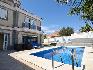 Bright House with Washing Machine and Television - Maspalomas vacation rentals