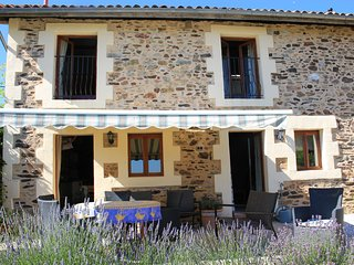 2 bedroom Gite with Deck in Le Lindois - Le Lindois vacation rentals