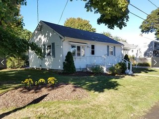 New Rental for Summer 2017! Walk to the beach! Excellent Falmouth Location! - Teaticket vacation rentals
