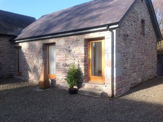Idyllic mountain side setting in Brecon Beacons  - 486601 - Llanddeusant vacation rentals