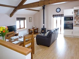 Pip's Hideaway - Roe Deer Cottages - 1 Bed Cottage - Log Burner - Dog Friendly - Selside vacation rentals