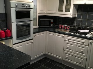 Comfortable 3 bedroom Townhouse in Sheffield with Internet Access - Sheffield vacation rentals