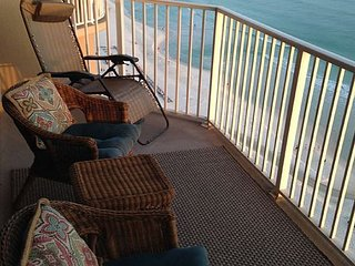 Beachfront, beautiful, bright one bedroom deluxe, great reviews - Panama City Beach vacation rentals