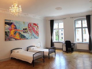 Bright 4 bedroom flat in Berlin City Center - Berlin vacation rentals