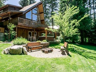 Nason Chalet, hot tub, Sat. TV and sleeps up to 12 guests. - Plain vacation rentals