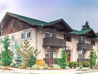 Bavarian Mountain Suite, luxurious downtown Leavenworth condo w/Wi-Fi - Leavenworth vacation rentals