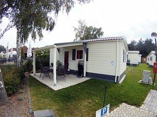 """Haus ESSEN  mit Terrasse & Seeblick """"Freiheit genießen"""" -die Hotel-Alternative - Kahl am Main vacation rentals"""