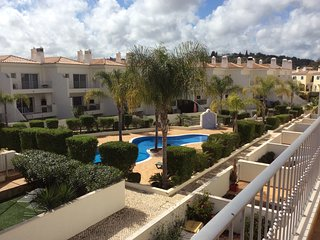 4 Bedroom townhouse in Condo. Swimming Pool. Central Algarve. - Loule vacation rentals