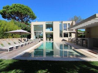 Luxurious Villa with Unique Location - Saint-Tropez vacation rentals