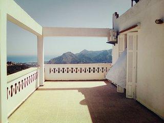 Superbe Appartement F2 Avec Vue Panoramique Sur Mer & Montagne - Bejaia vacation rentals