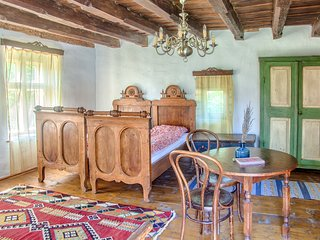 Dominic Boutique Cloasterf, Saxon Romantic - Cloasterf vacation rentals