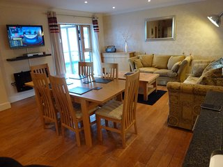 Seahorse Apartment.  Porthleven, Cornwall. 2 Bedroom 2 Bathroom central location - Porthleven vacation rentals