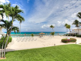 Sunset Cove 2BR Oceanview Condo on Seven Mile Beach--Beautiful Views Await! - Seven Mile Beach vacation rentals