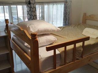 Shared room with bunk beds 10 mins from the airport - Alajuela vacation rentals