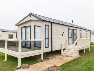 Broadland sands ref  20214  6 Berth stunning with decking  BRAND NEW caravan. - Great Yarmouth vacation rentals