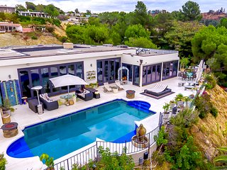 #56 Beverly Hills Luxury w Pool/Spa - Beverly Hills vacation rentals