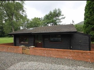 Nice 2 bedroom Strathyre Cabin with Internet Access - Strathyre vacation rentals