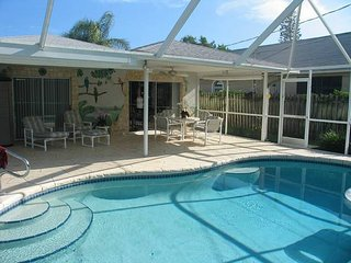Lovely, quite 2 bed/2bath home with a pool.  Very close to the beach! - Naples Park vacation rentals